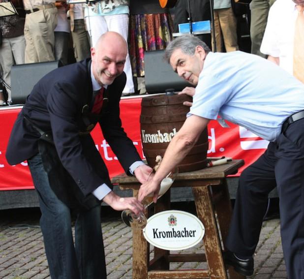 Eröffnung am Freitag mit dem traditionellen Fassbieranstich (Foto: Stadt Lennestadt).