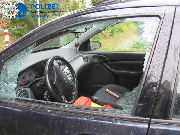 Photo of Firmenfahrzeug aufgebrochen – Werkzeug gestohlen