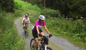 Viel Spaß bei geführter Mountainbike-Tour nur für Frauen