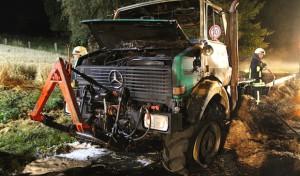 Warstein: Unimog in Brand geraten