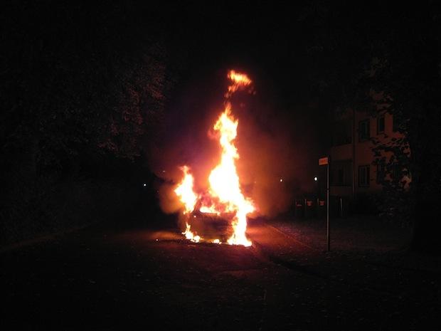 Photo of Werl: Erneuter Pkw-Brand in der Kettelerstraße