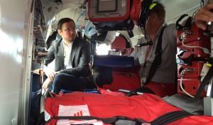Dirk Wiese besucht die Luftrettungsstation