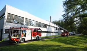 Dreifachturnhalle: Feuerwehr testete Dichtheit des Dachs