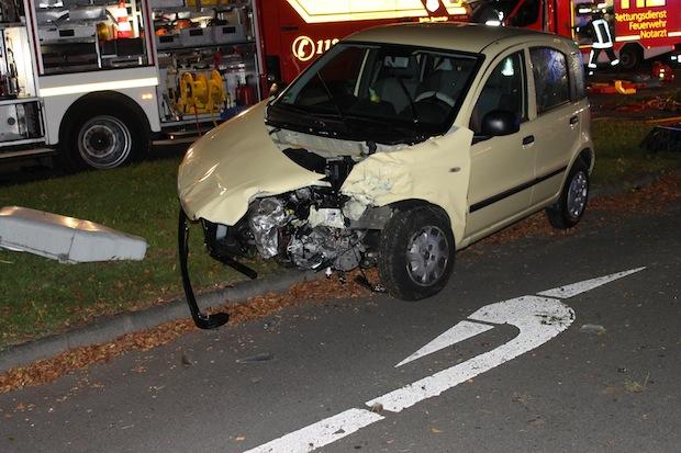 Photo of Soest: Drei Verletzte bei schwerem Verkehrsunfall