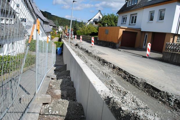 Photo of Dauerhafte Stabilität: Neue Stützmauer an Franz-Hoffmeister-Straße