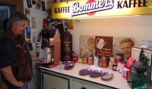 Verkostung und Information: Fairer Kaffeeklatsch im Freilichtmuseum