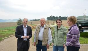 Michael Esken zu Besuch in landwirtschaflichem Betrieb
