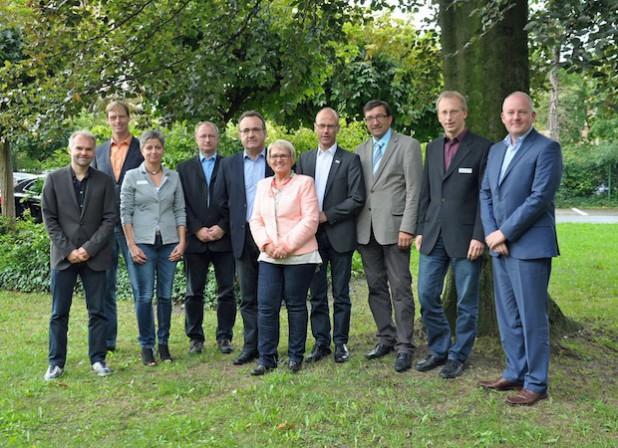Das Lippstädter Energieteam mit seinem Berater und dem Auditor vom TÜV Rheinland (Foto: Stadt Lippstadt).