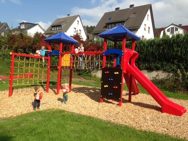 Photo of Sonnenschein-Spielplatz macht seinem Namen wieder alle Ehre