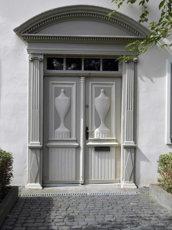 """Unter anderem an einem Gebäude in der Straße Soesttor und am """"Goldenen Hahn"""" waren im Jahr 2009 aus dem Fördertopf der Stadt Sanierungsmaßnahmen unterstützt worden (Fotos: Stadt Lippstadt)."""