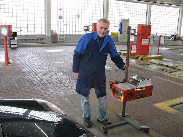 Mark Jünger, Leiter der TÜV-STATION Iserlohn - Foto: TÜV NORD