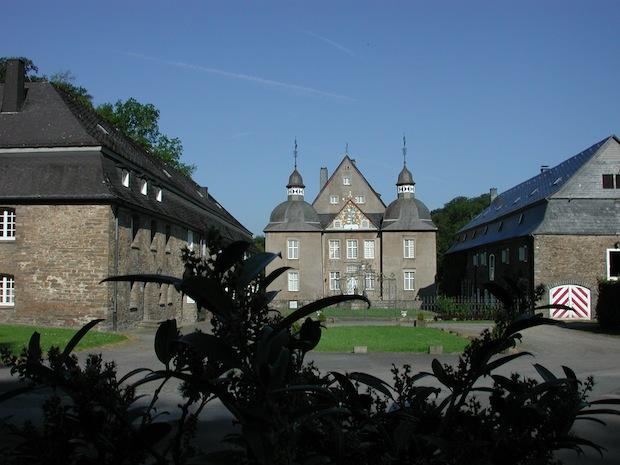 Rund um Schloss Neuenhof führt die Wandertour des Landrats (Foto: Märkischer Kreis).