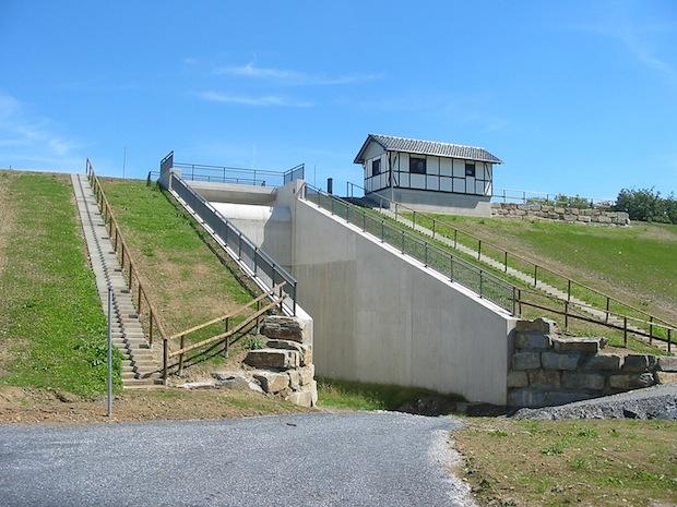 Das Hochwasserrückhaltebecken Widey ist ebenso wie das Hocherwasserrückhaltebecken Brauereizufahrt (Herrlichkeit) fertiggestellt. Die offizielle Einweihung erfolgt am 24. September (Foto: Streicher).