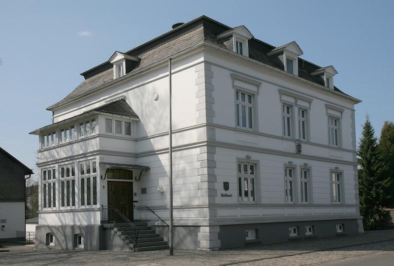 Photo of Drolshagen: Rathaus dokumentiert 1632,00 EUR Schulden für jeden Einwohner