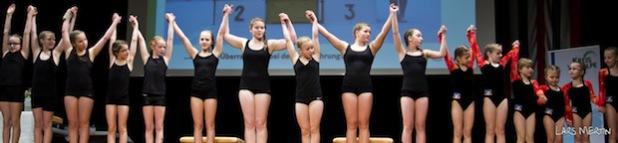 Turnerinnen des TV Olpe beim Rahmenprogramm der diesjährigen Sportlerehrung (Foto: Kreis Olpe).