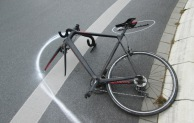 Werl: Radfahrer im Kreisverkehr übersehen