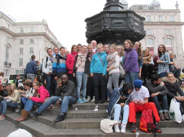 Goodbye, Piccadilly – nach drei unvergesslichen Tagen nahmen die Nord-Messdiener am Freitagabend Abschied von London (Foto: Tibo).