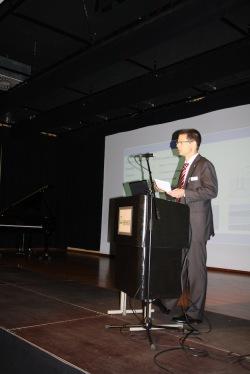 Jens Geißner, Geschäftsführer der Haltec Hallensysteme GmbH, informierte über erfolgreiches Innovationsmanagement (Quelle: Stadt Hemer).