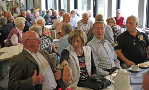 Gut 100 ehemalige Kreisbeschäftigte trafen sich beim Pensionnärstreffen im Kreishaus (Foto: Hendrik Klein/Märkischer Kreis).