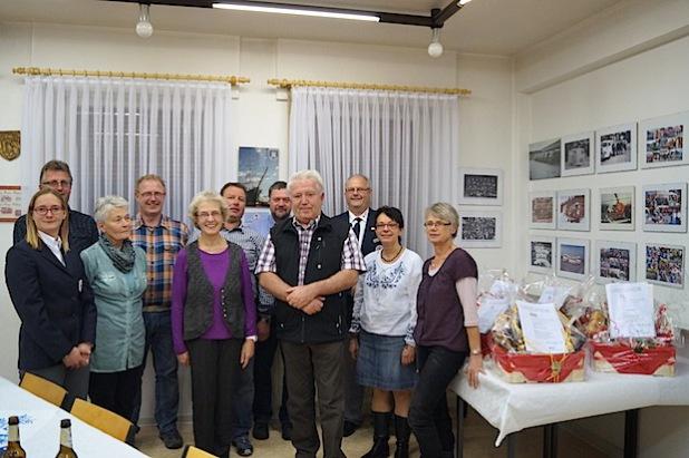 Die  treuen Blutspender aus Olsberg und den umliegenden Dörfern wurden für ihr ehrenamtliches Engagement vom DRK Brilon geehrt. Im Bild die zur Ehrung Anwesenden (Foto: DRK Brilon, Christiane Rummel).