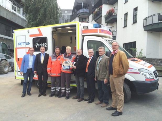 Von links: Markus Schwermer, Stephan Braun, Horst Kemmling, Michael Knebel, Jürgen Entrup, Karl-Udo Lütteken, Albert Hillebrand und  Rainer Radine (Foto: DRK-Kreisverband Brilon e.V.).