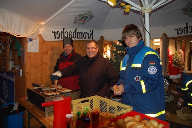 """Photo of """"Hütten des Attendorner Ehrenamtes"""" auf dem Weihnachtsmarkt"""