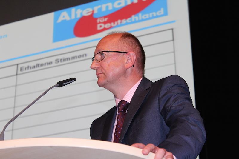 Foto: Reiner Rohlje blickte beim AfD Kreisparteitag erfolgreich auf seine erste Amtszeit zurück und konnte drei weitere Mitglieder für die Mitarbeit im Vorstand begeistern.
