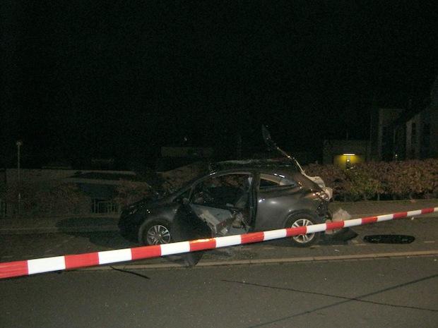 Photo of Möhnesee-Körbecke: Fahrzeug explodiert