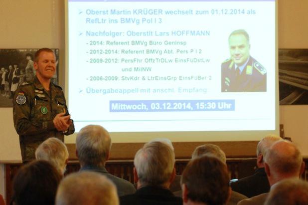 Bei seinen Ausführungen informierte Oberstleutnant Andreas Springer zunächst über den bevorstehenden Kommandowechsel am Hachenberg (Foto: Peter Hanke).