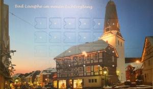 Schokoladen-Adventskalender bringt Altstadt zum Leuchten