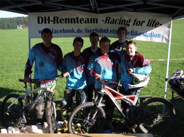 "Das Iserlohner Downhill Raceteam ""Racing for life"" (Foto: Stadt Iserlohn)"