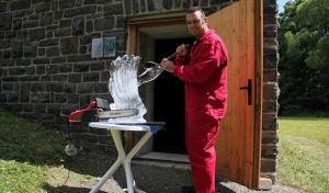 (12) Eiskunstatelier Knorra lässt niemanden kalt