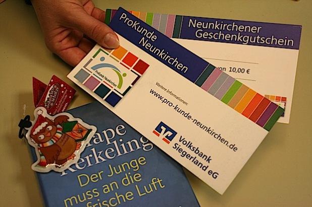 Der ProKunde-Gutschein ist inzwischen zu einem beliebten Geschenk avanciert und wird von manchem Neunkirchener Unternehmen sogar in die vorweihnachtliche Lohntüte gepackt (Foto: Gemeinde Neunkirchen).