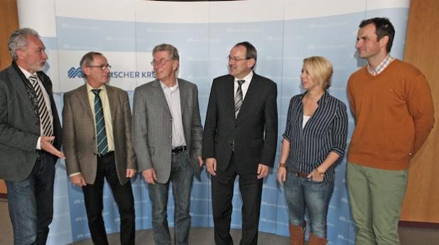 Trafen sich zum Gedankenaustausch (von links): Rainer Risse, Eckehard Beck, Günter Nülle, Landrat Thomas Gemke, Mandy Owczarzak und Sebastian Pahlke (Foto: Hendrik Klein/Märkischer Kreis).