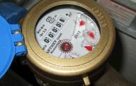 Trinkwasser, Strom und Gas: Selbst ablesen spart Geld