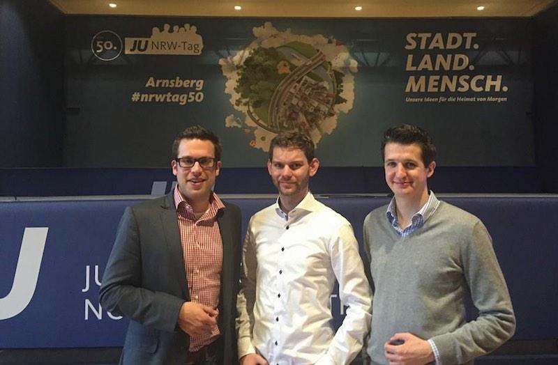 Florian Müller (links) neben seinem neuen Landeschef Florian Braun und rechts Bernd Schulte (JU Südwestfalen-Chef). Foto: Privat.