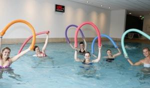 Gesundheit verschenken: Aqua-Fitness als perfektes Last-Minute-Präsent
