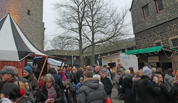 Mehr als 6.700 Gäste kamen zum Winter-Spektakulum auf die Burg Altena (Foto: Michelle Wolzenburg/Märkischer Kreis).