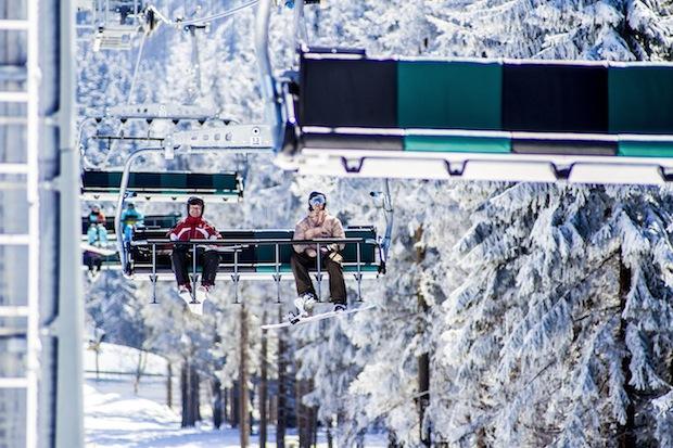 """Photo of Skigebiete hoffen auf ein """"Weihnachtsgeschenk"""" von Frau Holle"""