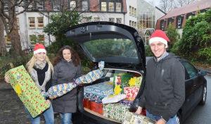 200 Kinder freuen sich auf Geschenke