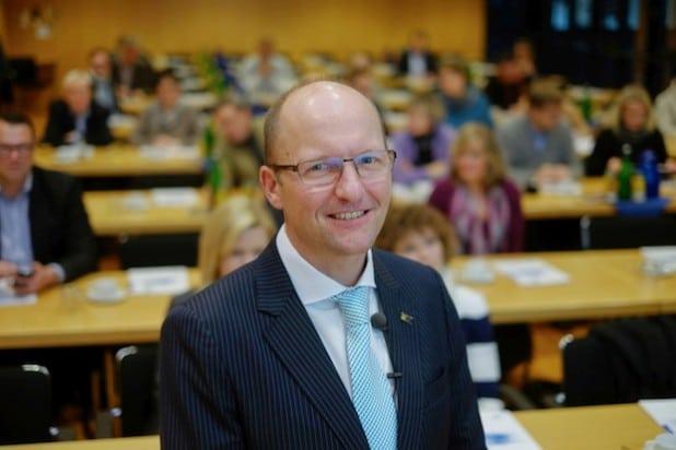 """Bildzeile """"Bartels"""": Der gebürtige Siegener Andreas Bartels hatte in der IHK Siegen die """"Krisenkommunikation in Zeiten von Social Media"""" im Blick."""