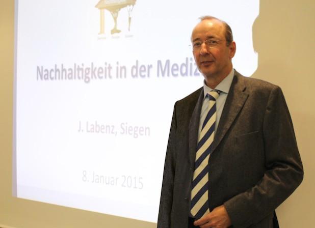 Professor Dr. Joachim Labenz referierte über Chancen und Herausforderungen nachhaltiger Medizin.