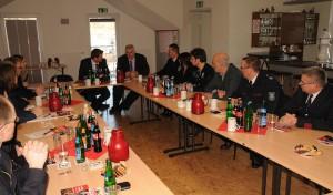 Integrations-Staatssekretär beeindruckt von Projekt der Arnsberger Feuerwehr