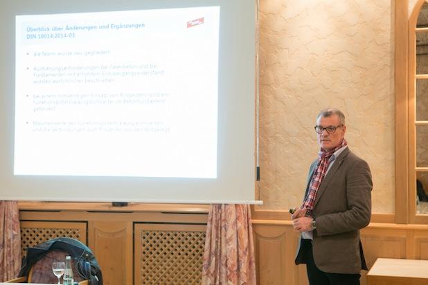 Jürgen Storz von der Fa. Dehn & Söhne gab einen Überblick über die Änderungen zu Thema Blitzschutz- und Erdungstechnik Foto: Kai Osthoff