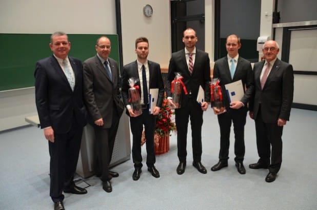 (v.l.n.r.)  J.Wolfgang Kirchhoff, Rektor Prof. Dr. Claus Schuster, Preisträger Florian Ernst, Daniel Loock, Martin Goretzky, Prorektor Prof. Dr. Erwin Schwab