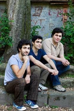 Mojtaba, Masoud und Milad Sadinam (v.l.n.r.) - Foto: Verlagsfoto/Jürgen Bauer.