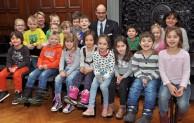 Vorschulkinder von St. Pius zu Besuch im Rathaus