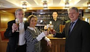 Krombacher Brauerei dankt Bernd Stahl für 50 Jahre Zusammenarbeit
