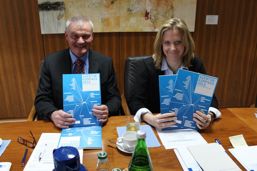 Klaus Gräbener und Tanja Bauschert präsentierten am heutigen Mittwochvormittag im Rahmen einer Pressekonferenz den neuen Agenturkompass 2015.