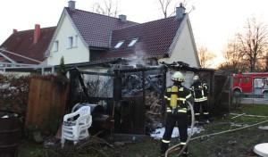 Geseke-Störmede: Brand einer Gartenlaube